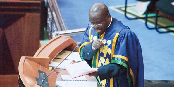 Naibu Spika,Job Ndugai akiwaonya wa Upinzani bunjgeni jana kabla ya kutokea mtafaruku.
