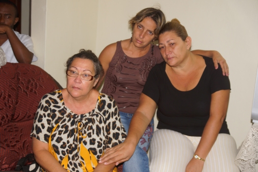 Madaktari wa Cuba waliovamiwa na majambazi kutoka kushoto ni Mke wa Madaktari hao Dk. Ulpiano, Dk. Katia na Dk. Barbara