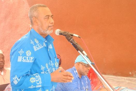 Katibu Mkuu wa CUF, Maalim Seif Sharif Hamad akiwahutubia wananchi wa Wete katika mkutano wa hadhara.