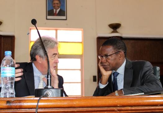 Balozi wa Umoja wa Ulaya (EU) nchini, Filiberto Sebregondi akiwa pamoja na Waziri wa mambo ya nchi za nje Bernard Membe