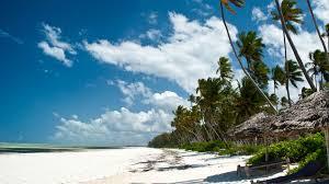 Baadhi ya fukwe za bahari katika visiwa vya Zanzibar ambapo Wawakezaji wengi huwekeza hoteli katika maeneo hayo