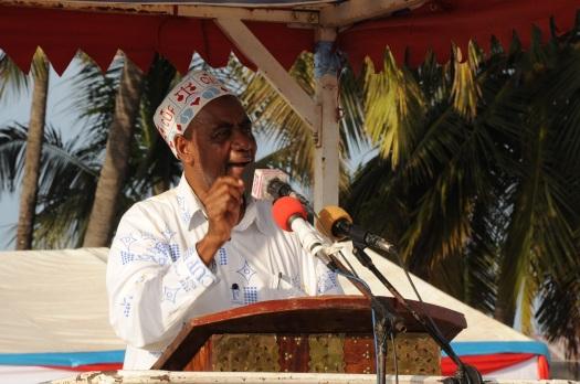 Katibu Mkuu wa CUF Maalim Seif Sharif Hamad, akihutubia mkutano wa hadhara wa chama hicho katika viwanja vya Paje, Wilaya ya Kusini Unguja