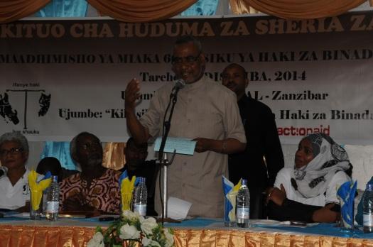 Makamu wa Kwanza wa Rais Maalim Seif Shariff Hamad akihutubia katika maadhimisho ya siku ya Haki za Binaadamu mjini Zanzibar