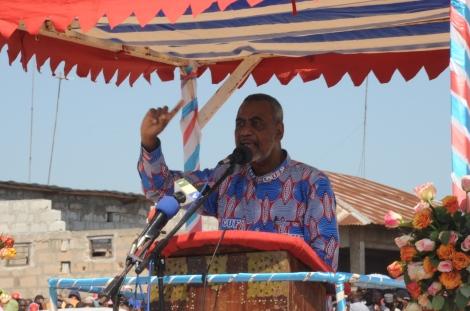 Katibu Mkuu wa CUF Mhe. Maalim Seif Sharif Hamad ambaye ni mgombea Urais wa Chama hicho, akihutubia mkutano wa hadhara katika viwanja vya Kibandamaiti mjini Zanzibar.