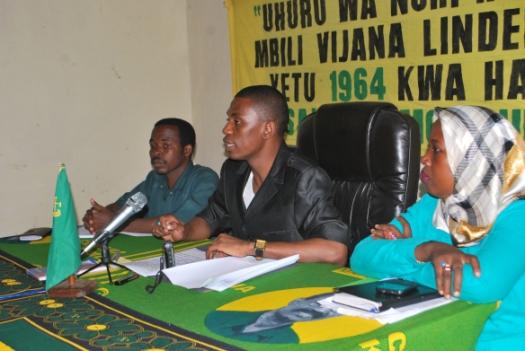 Naibu Katibu Mkuu UVCCM Zanzibar Shaka Hamdu Shaka, katika moja ya mikutano yake na vyombo vya habari