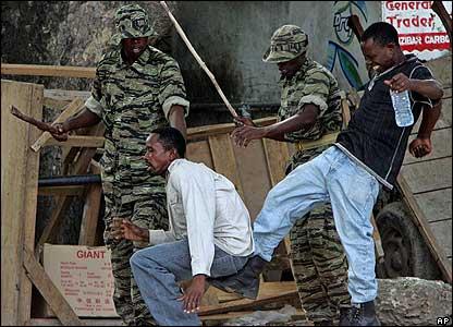 Hawa ndio watu 'Mazombi' wanaobeba silaha na kupita kupiga watu ovyo.