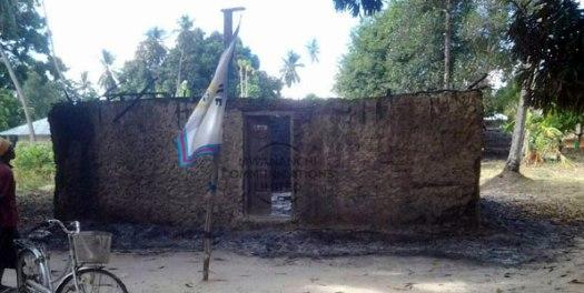 Ofisi ya CUF Jimbo la Wingwi Pemba, ikiwa imechomwa moto na watu wasiojulikana. Picha: Mwananchi